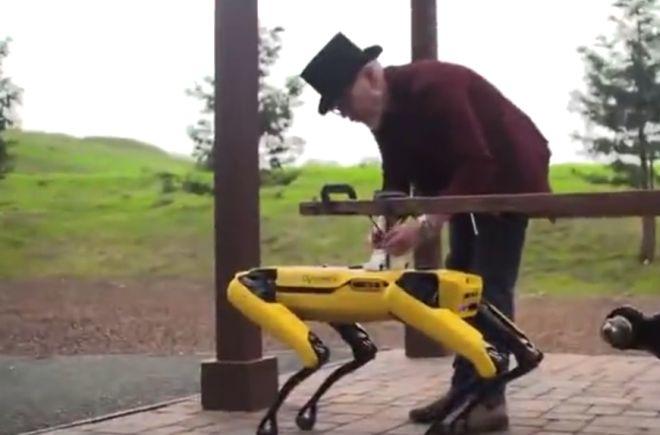 Адам Севидж придумал интересное применение роботу от Boston Dynamics