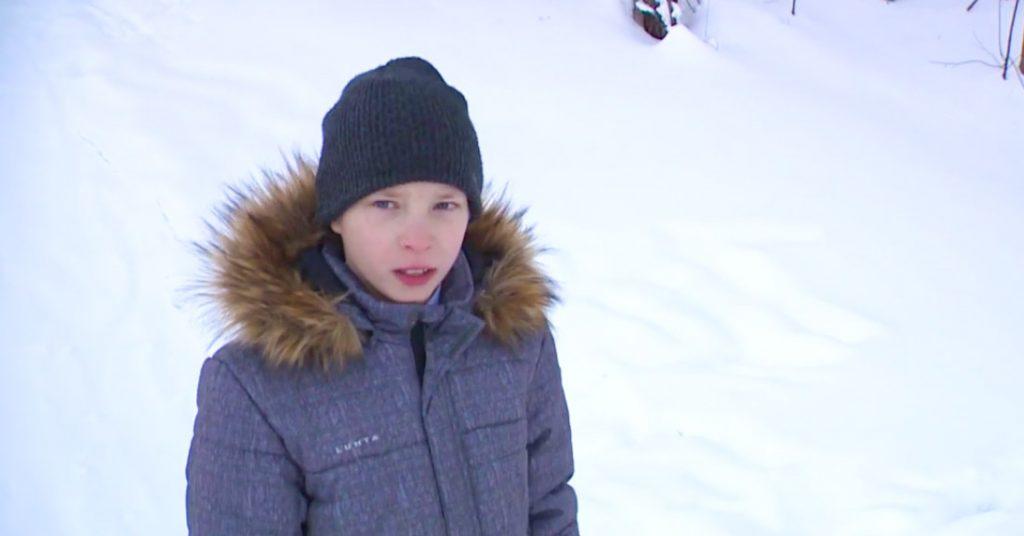Школьник из Архангельской области протащил 2 километра на себе раненого друга чем и спас ему жизнь