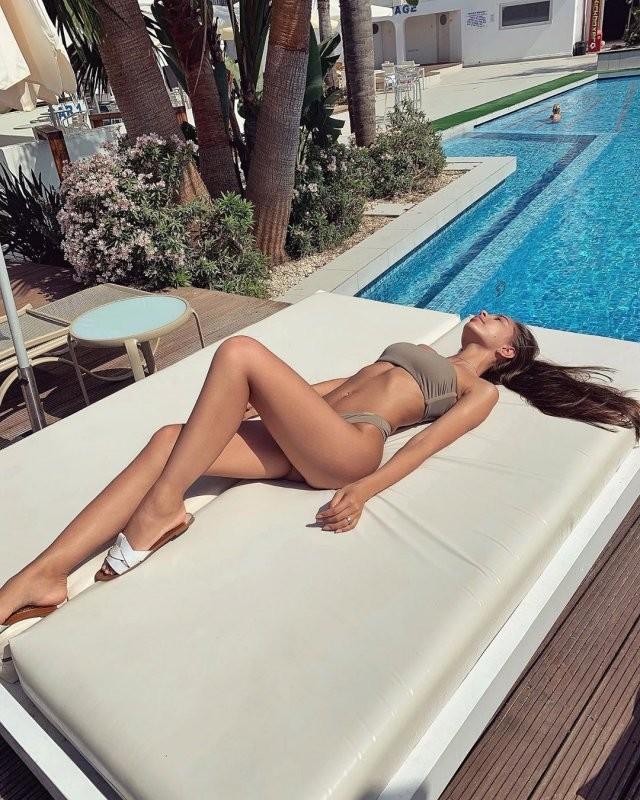 Анастасия Владимирская - которая готова обеспечивать парня (12 фото)