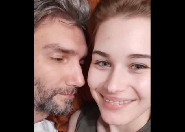 Подмышечная любовь (2 видео)