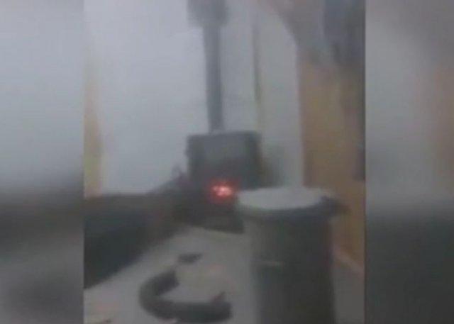 Кидать петарды в печь - плохая идея