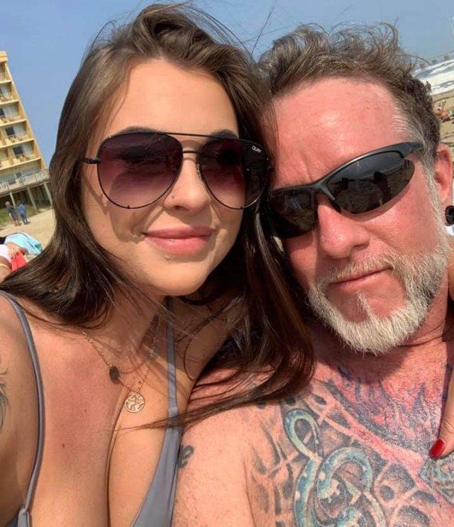 23-летняя Кайла Кодилл и Стефан Данн заграют на пляже