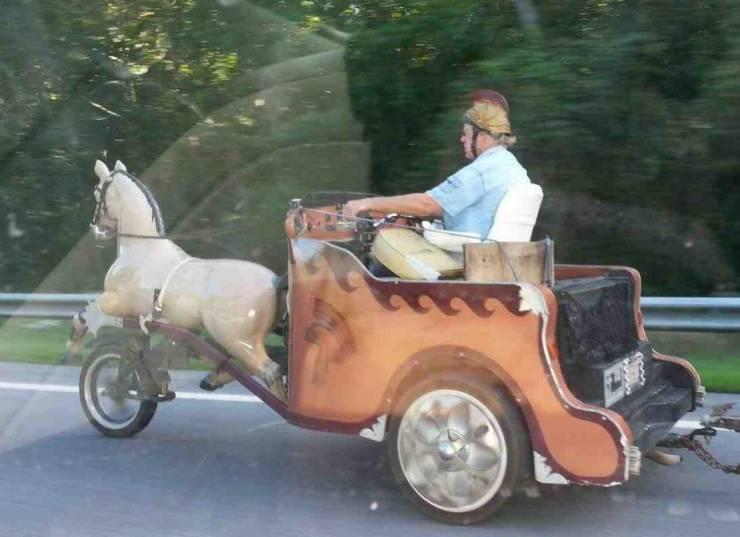 Мотоцикл в виде колесницы