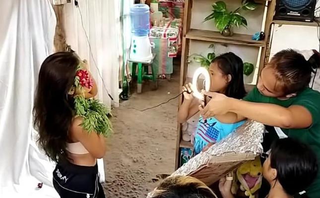 У филиппинского фотографа-самоучки нет никакого реквизита. Обратная сторона его творчества