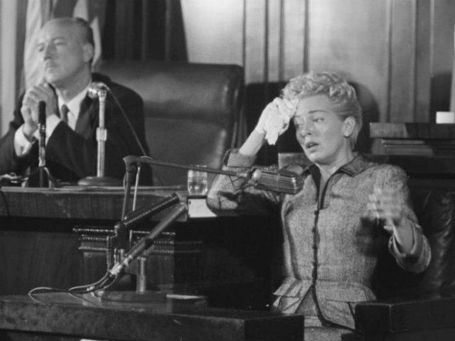 Лана Тёрнер дает показания об убийстве любовника, 1958 год, США