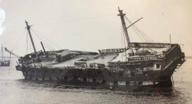 TS Cornwall, осень 1940 г, Темза, Великобритания
