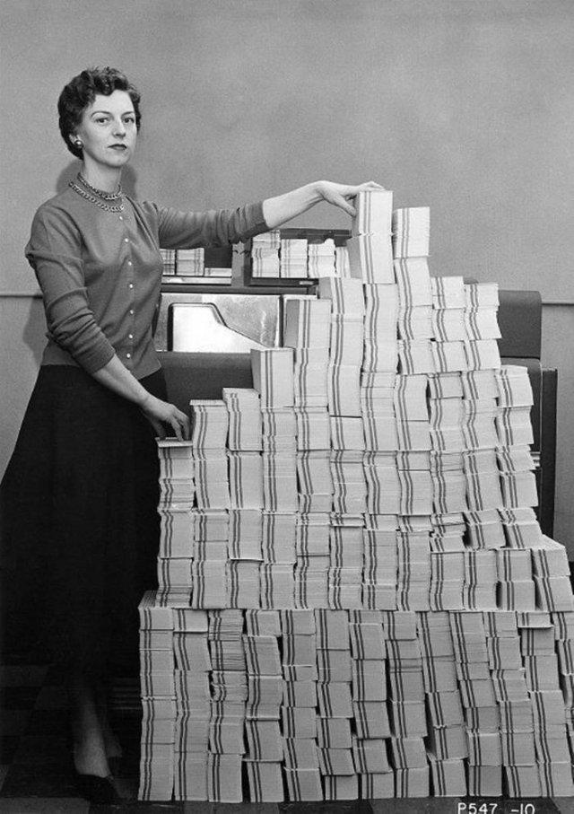 5Mb данных – 62500 перфокарт. 1955 год, США