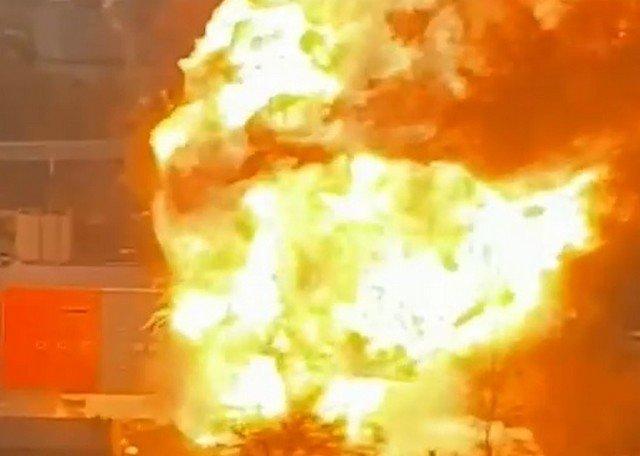 На улице Газопровод в Москве взорвался склад с газовыми баллонами (4 видео)