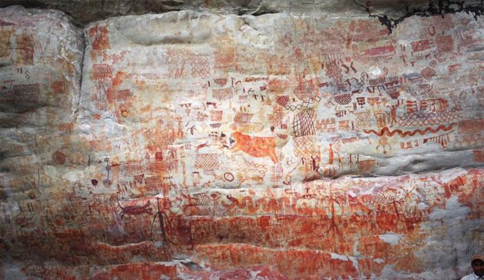 В джунглях Амазонки археологи нашли «Сикстинскую капеллу», возраст которой 12500 лет