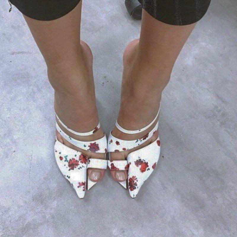 12 пар совсем неудобной и очень странной обуви
