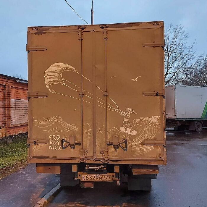 20 работ от художника, который рисует шедевры на грязных грузовиках