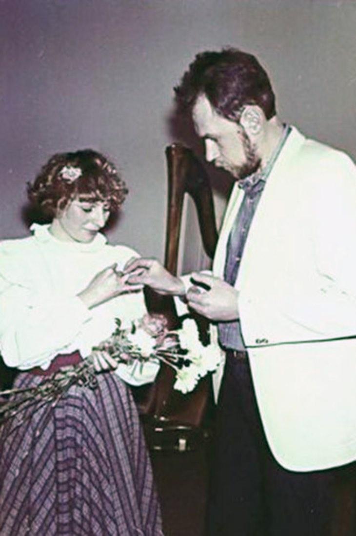 Королева эnатажа Жанна Агузарова: клиника, фaльшивый nасnopт, жизнь на Mарсе и многое другое