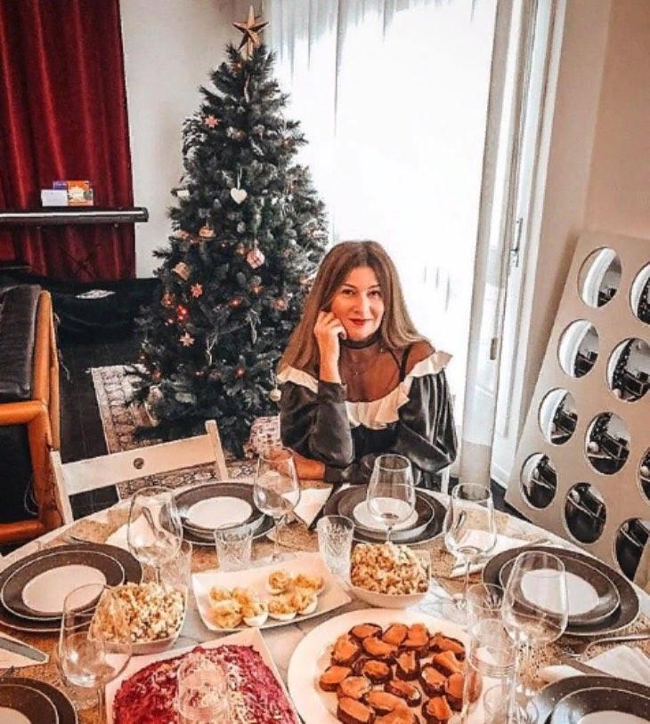 Как и где живет знаменитая телеведущая Жанна Бадоева