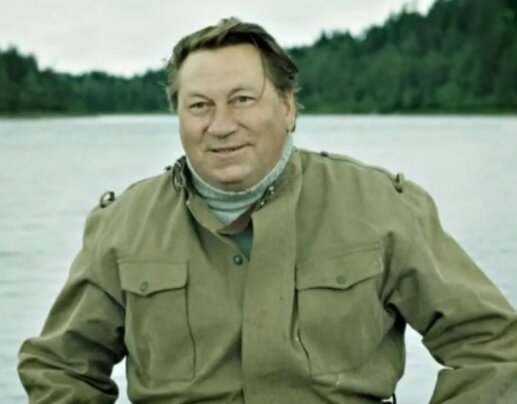 Актер Василий Меркурьев