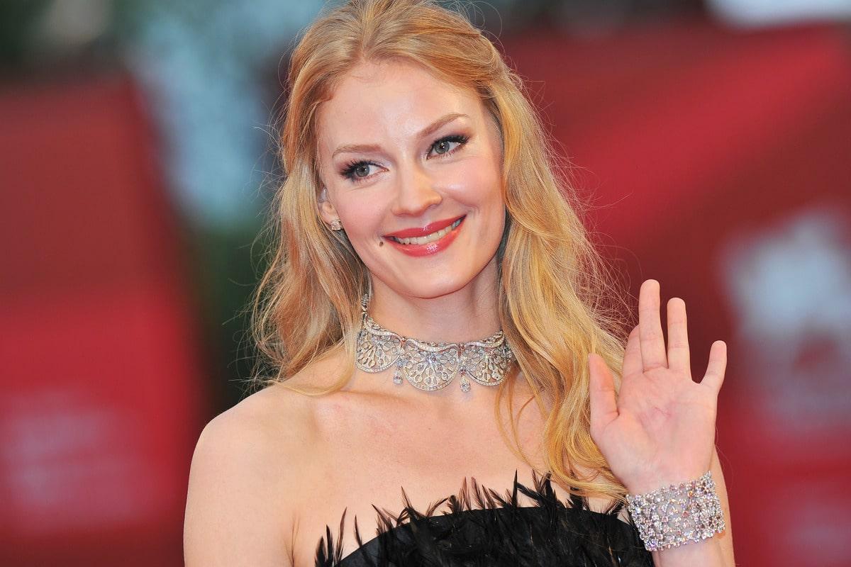 Мыла подъезды, даже не мечтая о Голливуде: через что прошла Светлана Ходченкова