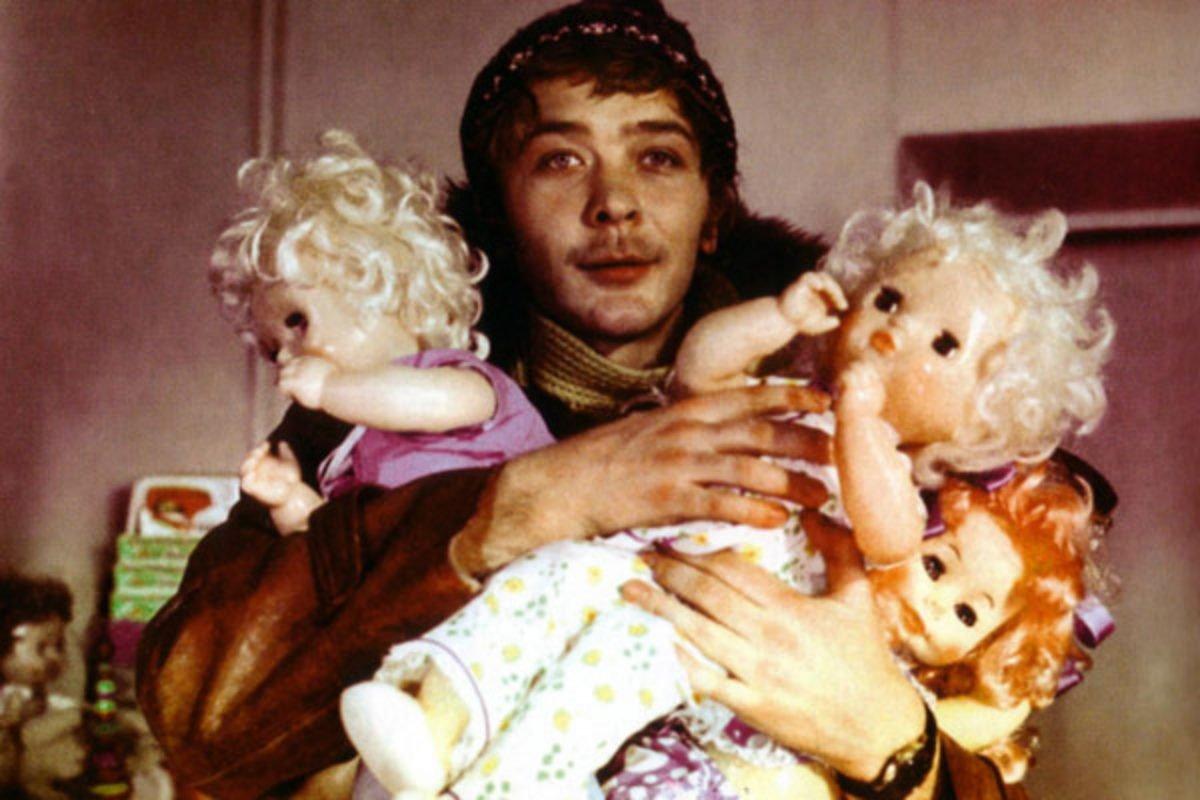 Как живет 68-летний Сергей Проханов, пропавший с экранов в начале 90-х «Усатый нянь»
