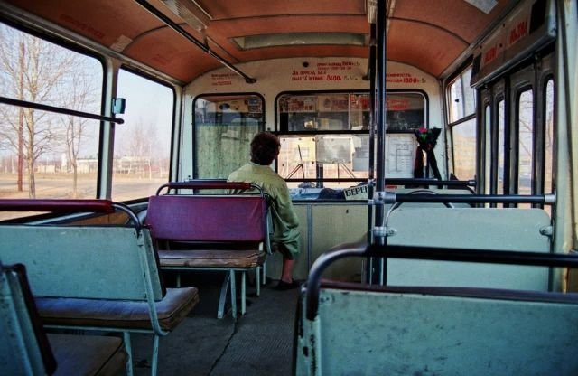 Салон автобуса ЛиАЗ-677, который в девяностые ездил практически в каждом городе