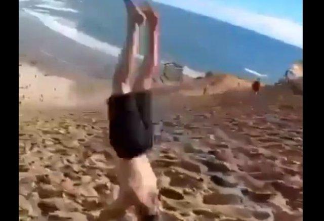 Эффектный и опасный трюк на фоне моря