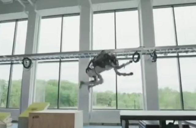 Неудачные дубли с прыгающими роботами от Boston Dynamics