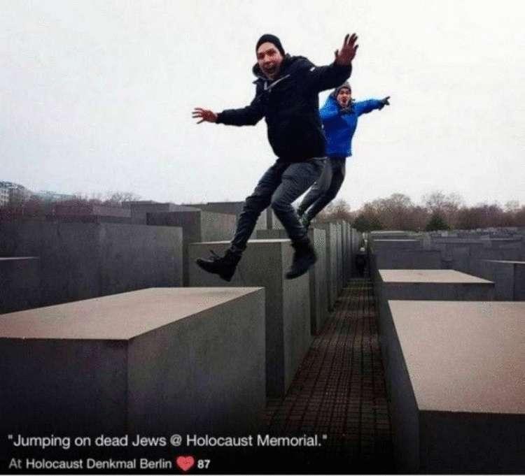 Израильский художник показал туристам, как аморальны и неуважительны их селфи возле мемориала Холокоста