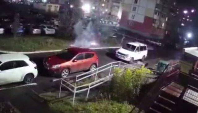 Мужчина из Новокузнецка решил устроить салют во дворе - не вышло