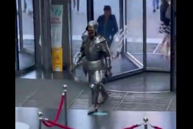 Сложно быть благородным рыцарем в современном мире