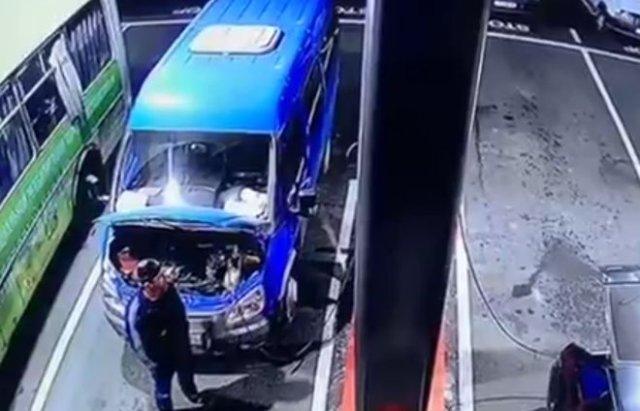 Взрыв маршрутного такси в Назрани