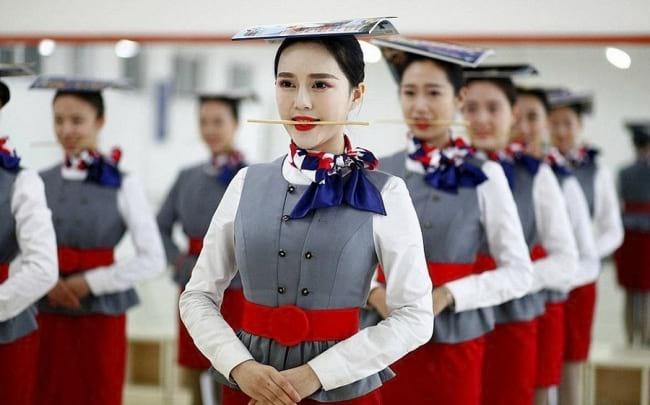 Китайской стюардессой сможет стать не каждый спецназовец